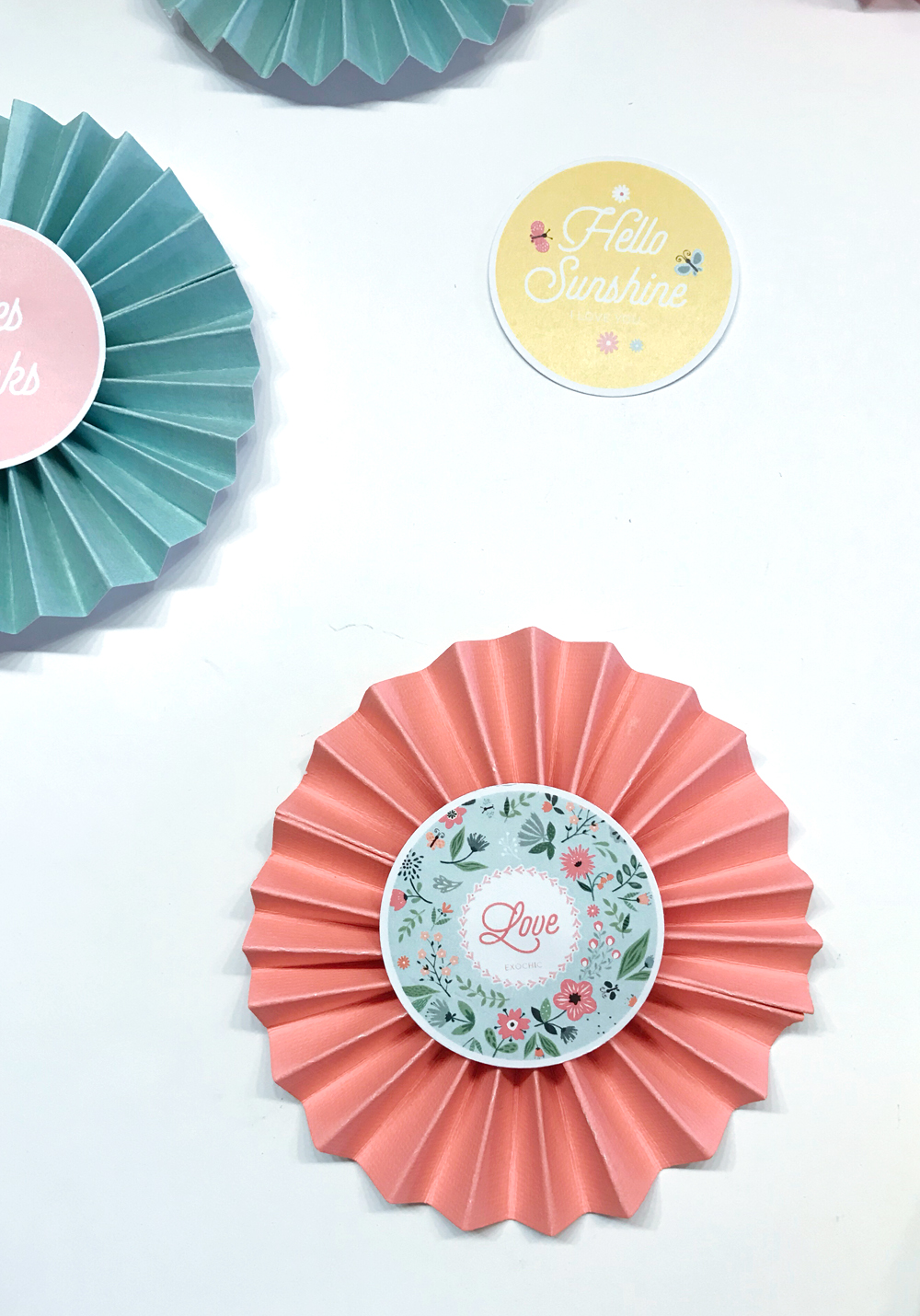 Air Chic Design:disque externe:EXOChic:1 -POSTS:1 - ARTICLES:2018:03 - MARS:06 DIY PAQUES:image bloc:DIY Cocarde paques exochic 3.jpg